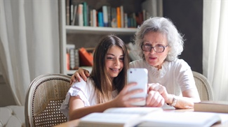 3 Budget-Friendly Tips for Staying in Touch with Loved Ones